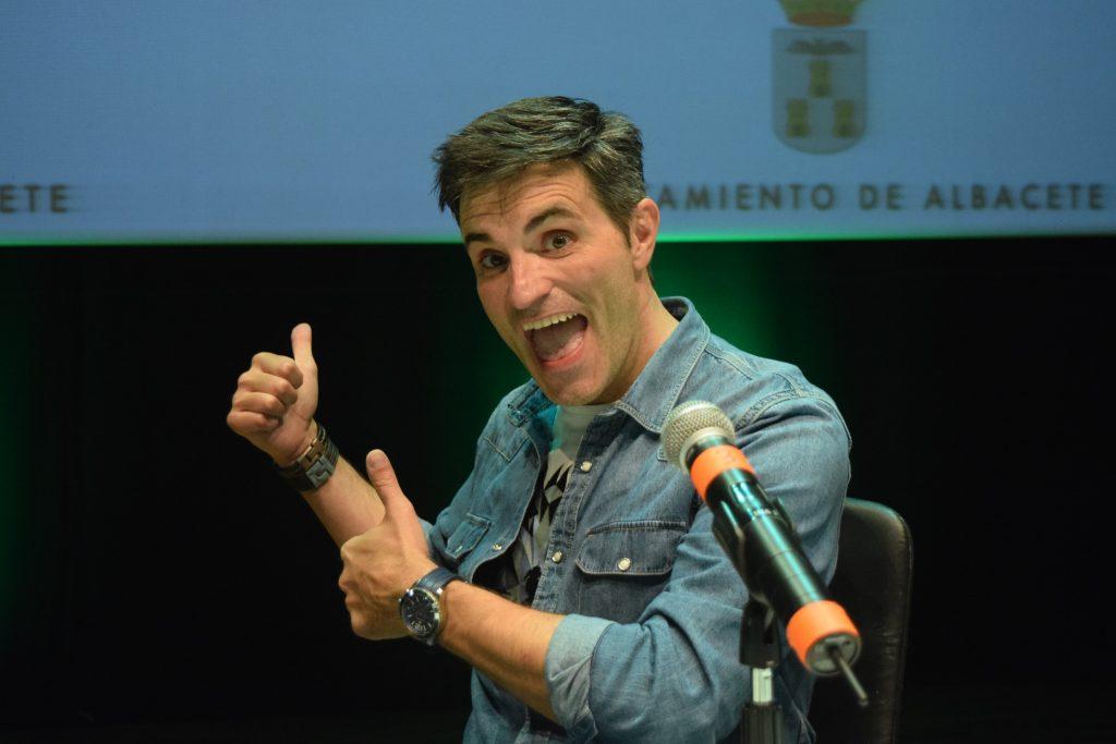 El director y presentador del programa, Luis Larrodera